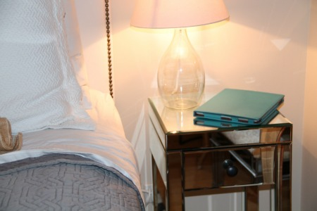 nightstand-mirrored